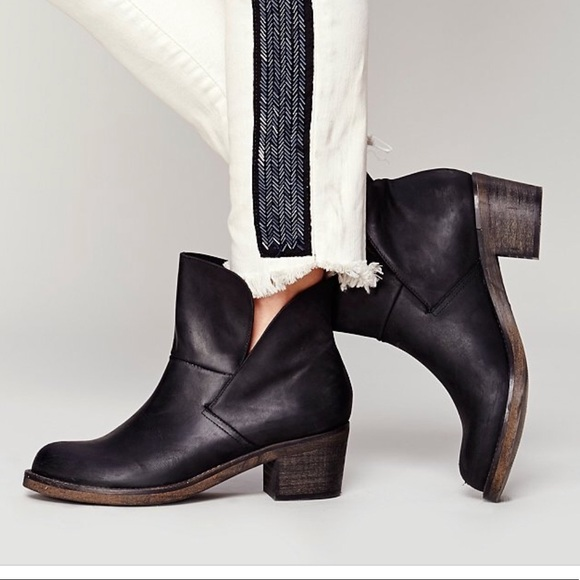 860353dd7088 Free People Shoes - Free People Brooks Ankle Boots